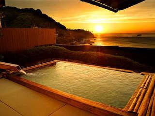 湯の花亭 露天風呂からの夕日